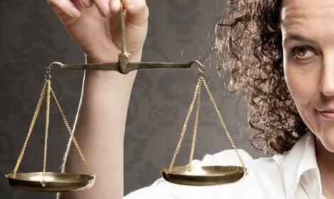 advocaat met weegschaal